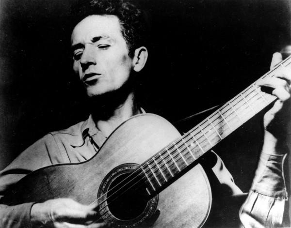 Woody Guthrie, mort de la maladie de Huntington en 1967.